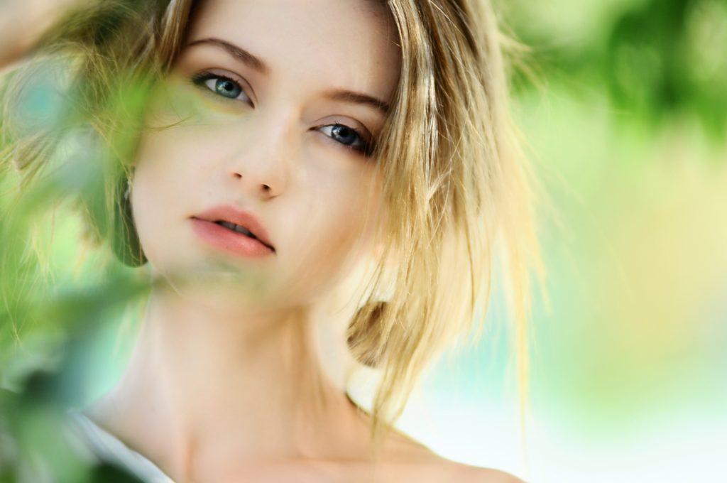めちゃくちゃ肌がしろい外国人女性